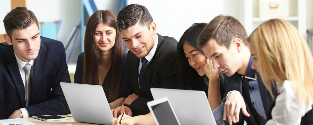 Know the Benefits of Hiring Immigration Consultant in Delhi